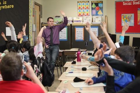 Escuelas católicas desarrollan nuevas estrategias para atraer a latinos