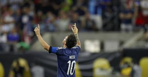 Argentina goleó 4-0 a Estados Unidos y jugará final de la Copa