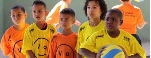 Volleyball comes to Rio de Janeiro slum