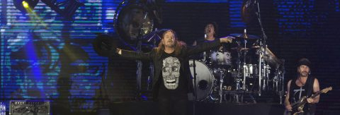 """Mexican pop band """"Mana"""" lights up LA night with rock and politics"""