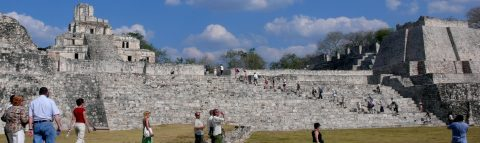 Mexico super-wall keeps pirates out of Campeche
