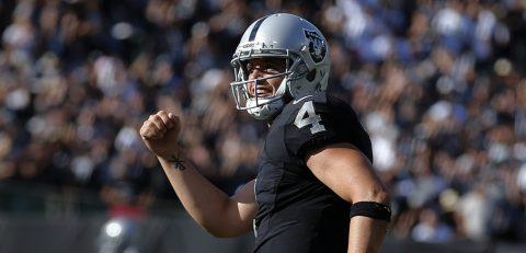 38-24. Carr conduce remontada de los Raiders