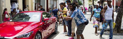 Cuba, autos, y los vaivenes de la política