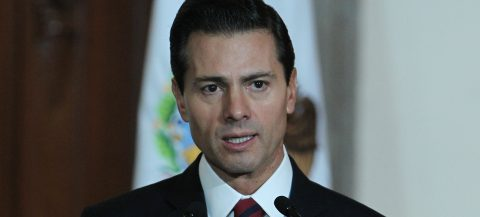 Peña Nieto rejects threats to investors in Mexico after Trump's warnings