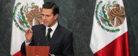 Peña Nieto ordena reforzar revisiones en escuelas para evitar nuevos tiroteos