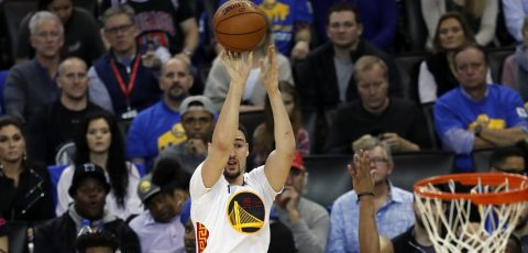 123-92. Thompson conduce la victoria de los Warriors