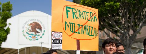 Centenar de mexicanos espera por primera vez acta de nacimiento de su país