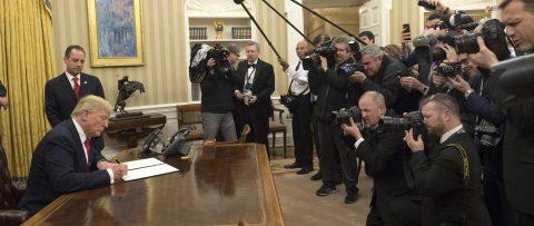 Trump proclama su nuevo veto a refugiados y ciudadanos de 6 países musulmanes