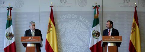 """México pide """"examen de conciencia"""" a empresas que buscan construir el muro"""