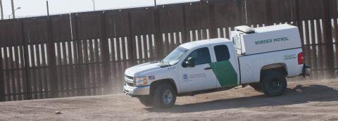 Legisladores de California preparan leyes contra ayuda a muro de Trump