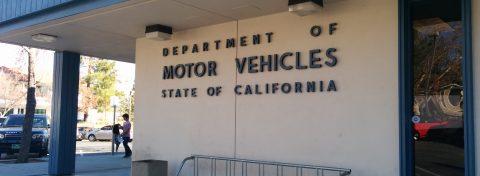 El DMV acepta la tarjeta de pasaporte de los Estados Unidos para nuevas solicitudes de licencia de manejar y tarjeta de identificación