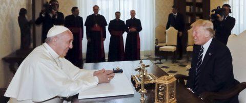 Trump y el Papa intercambian deseos de paz en un primer acercamiento