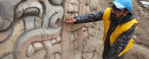 Excavations reveal figures of mythological creatures at ancient Peru temple