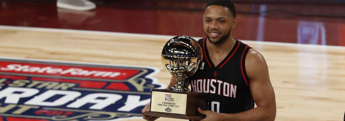 El escolta Eric Gordon se lleva el premio de Sexto Jugador de la temporada de la NBA
