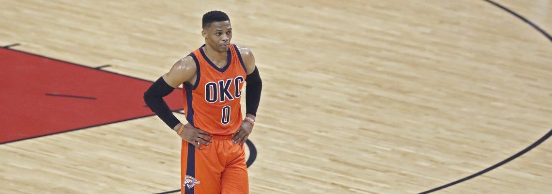 Westbrook culmina una temporada histórica con el premio de Jugador Más Valioso (MVP) de la NBA
