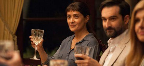 """Los Nominados al Óscar® Salma Hayek y John Lithgow miden fuerzas en """"Beatriz at Dinner"""""""
