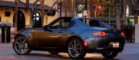 En busca del eclipse total en un Mazda MX-5 Miata
