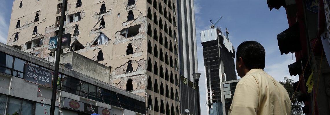 Capital mexicana aprueba demolición de once edificios dañados por el sismo