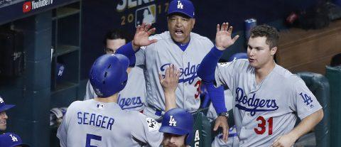 6-2. Los Dodgers anotan cinco carreras en el noveno episodio y le empatan a los Astros la serie