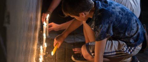Families of 5 Argentines killed in New York attack pay tribute with candles