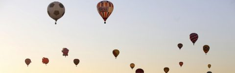 Balloonists from 23 countries take to sky at festival in Mexico