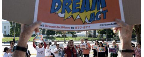"""Maratón de historias de """"soñadores"""" reivindica la aprobación de """"Dream Act"""""""