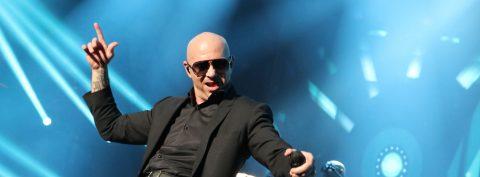 """Pitbull lanza el vídeo oficial de su nuevo sencillo """"Better On Me"""""""