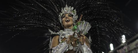 Rio de Janeiro's carnival kicks off with homage to China