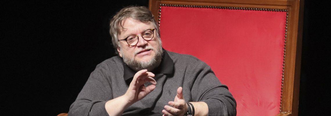 Mexicano Del Toro conquista a los jóvenes en Festival de Cine de Guadalajara