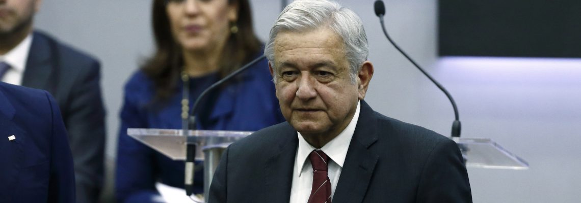 Leader of Mexican left files papers to run for president