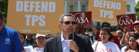 Honduran TPS beneficiaries stage protest in front of White House