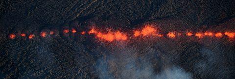 Estados Unidos eleva a alerta roja el nivel de erupción del volcán de Hawái