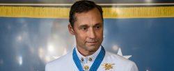 Trump condecora a un ex Navy Seal por liderar una acción de rescate en 2002