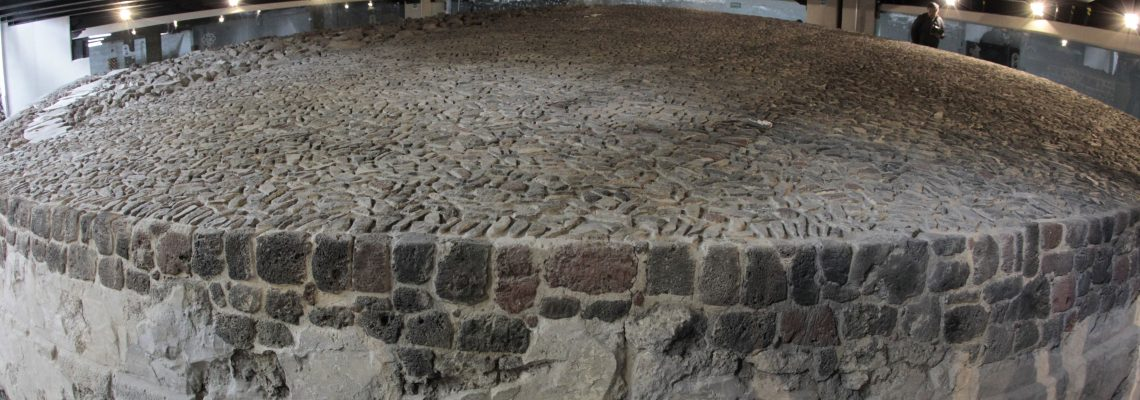 Un estacionamiento cubre ventana al pasado prehispánico en Ciudad de México
