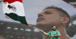 Más de 70.000 mexicanos se juntan en el zócalo para gritar los goles del Tri