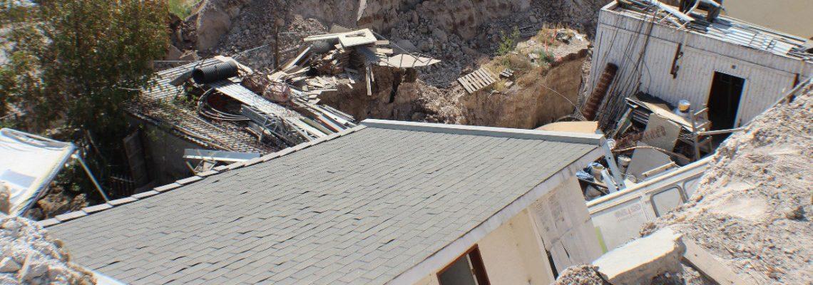 Colapsan 23 viviendas en Tijuana por el derrumbe de un cerro