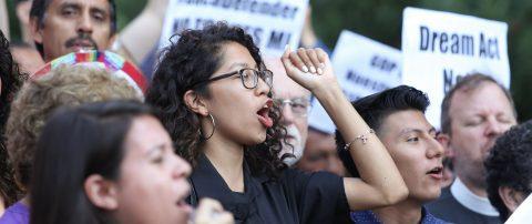 Grupos presentan demanda contra el Gobierno de Trump por veto migratorio