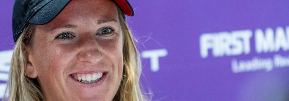 Azarenka routs lucky loser to reach San Jose quarters
