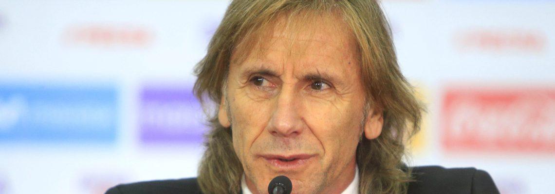 Peruvian national soccer team coach Gareca gets new deal