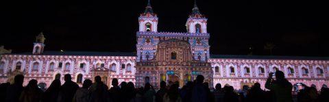 El arte de la luz convierte a Quito en caleidoscopio de imágenes y movimiento
