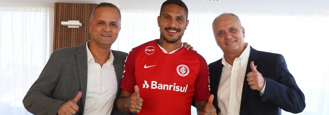 Brazil's Inter signs Peruvian striker Paolo Guerrero