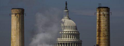 Trump planea iniciativa que podría elevar emisiones de carbono, según diario