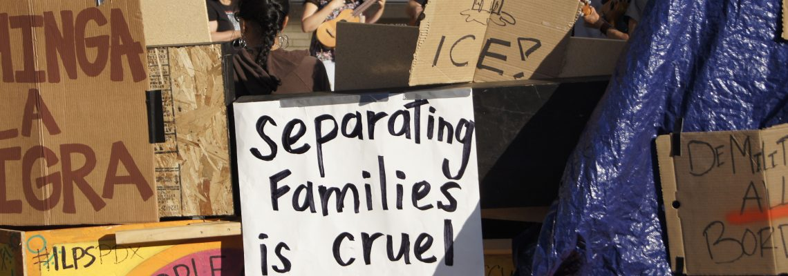 Juez valida plan de reunificación que ofrece posibilidad de asilo para padres