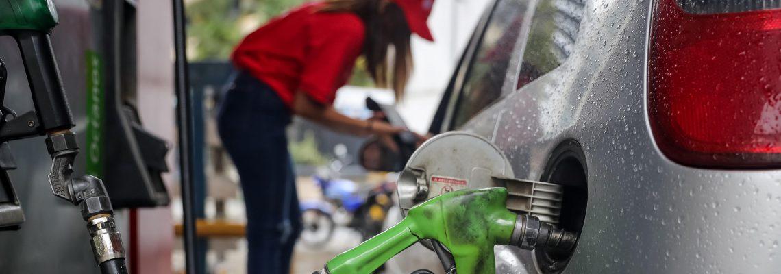 Venezuelans still enjoy world's cheapest gasoline, but system changes