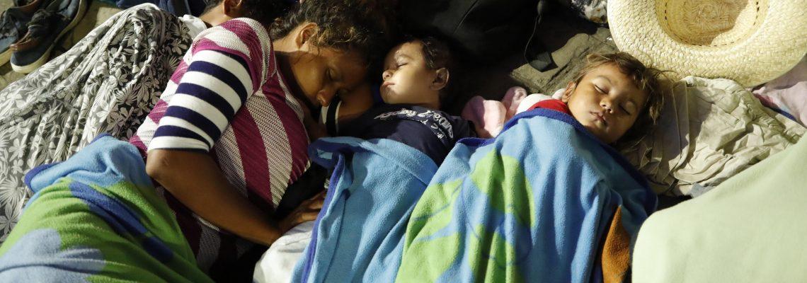 La lucha de las madres de la caravana migrante para dar un futuro a sus hijos