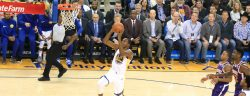 Warriors regresan a casa para ganarle 123-103 a los Phoenix Suns