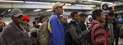 Los migrantes se preparan para retomar su marcha a Estados Unidos con reproches a ONU