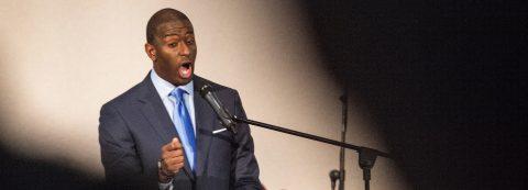 El candidato demócrata a gobernador de Florida concede la victoria a Ron DeSantis