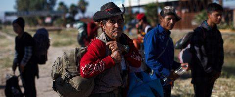 Casi 700 migrantes centroamericanos se registran para pedir empleo en México