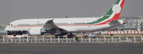 El avión presidencial de México parte a California, donde se pondrá en venta